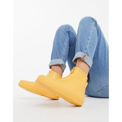 Vero Moda – Gummistiefeletten in Gelb