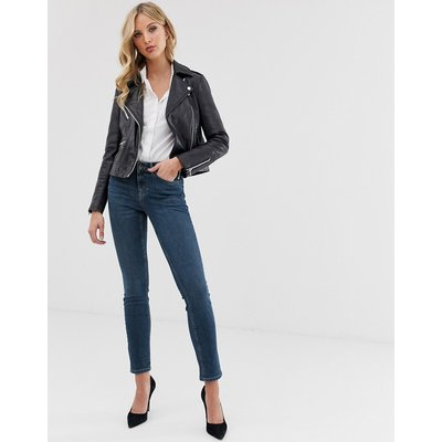 Vero Moda – Schmal geschnittene Jeans in Used-Optik-Blau