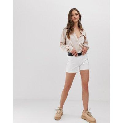 Vero Moda – Shorts mit Umschlag-Weiß