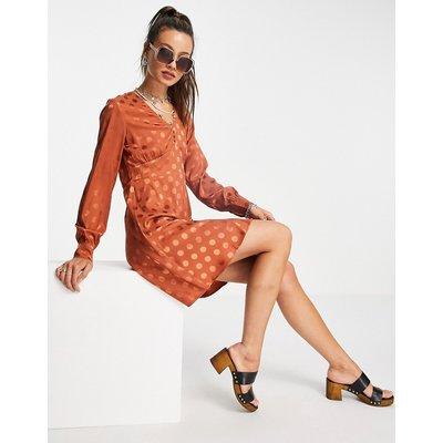 Vero Moda – Skater-Kleid aus Satin in Braun gepunktet | VERO MODA SALE