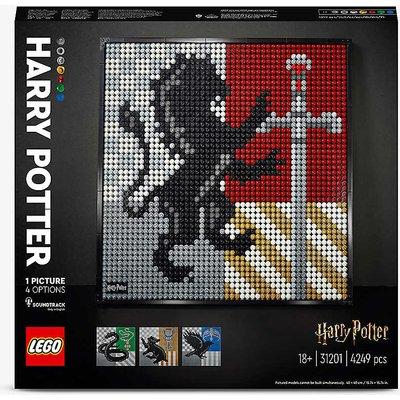 LEGO® Harry Potter 31201 Hogwarts Crests activity set