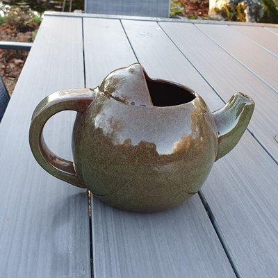 Robin teapot nester green
