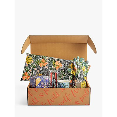 V&A Gardening Gift Set Hamper