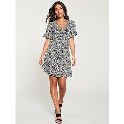 V By Very Textured Crinkle Tea Dress - Black/White