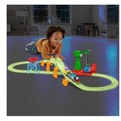 Thomas & Friends Hyper Glow In The Dark Night Delivery Playset
