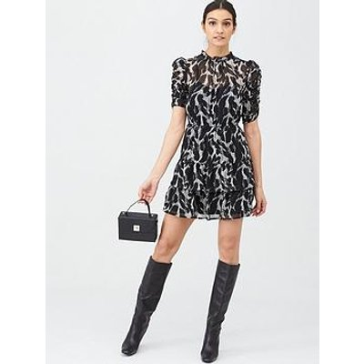 V By Very Ruched Sleeve Tea Dress - Mono Print