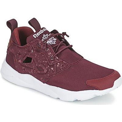 Reebok Classic  FURYLITE SP  men's Shoes (Trainers) in Red