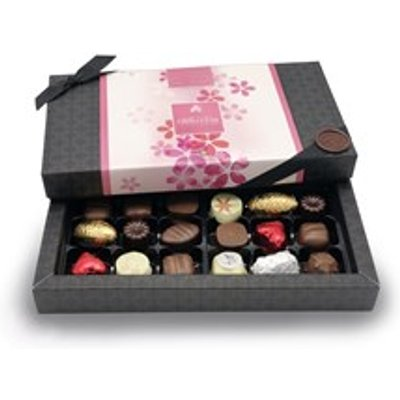 Mother's Day, Pink Petals Design, 18 Mostly Milk Chocolate Gift Box - Personalised 18 Box