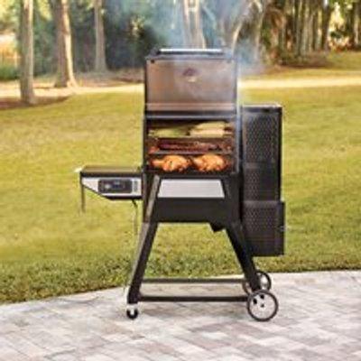 Masterbuilt Gravity Series 560 Digital Charcoal Grill and Smoker