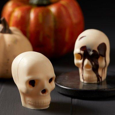 Fortnum & Mason Pair Of White Chocolate Skulls, 85G
