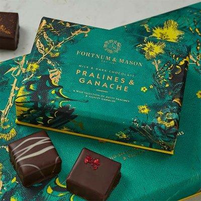 Fortnum & Mason Chocolate Pralines & Ganache Selection Box, 60G
