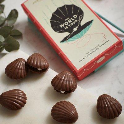 Fortnum & Mason Milk Chocolate Oysters, 100G