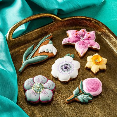 Fortnum & Mason Spring Flowers Iced Biscuits