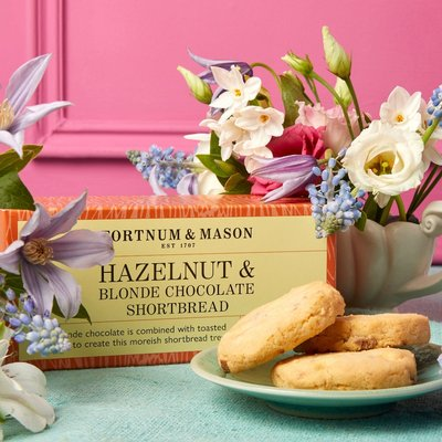 Fortnum & Mason Easter Hazelnut & Blonde Chocolate Shortbread, 200G
