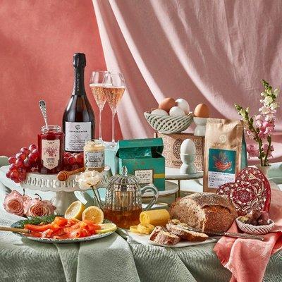 Fortnum & Mason Valentine's Sparkling Tea Breakfast Box