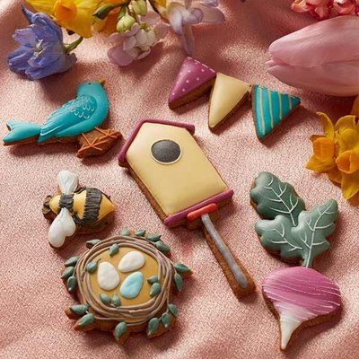 Fortnum & Mason Celebration Of Spring Iced Biscuits