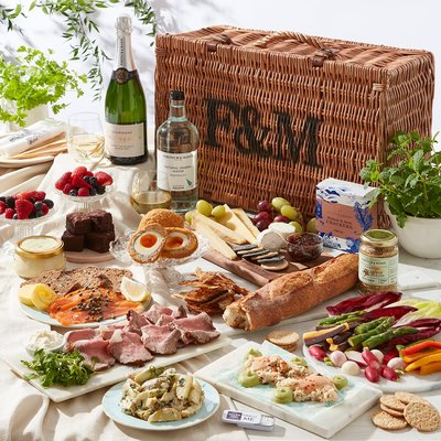 Fortnum & Mason The Luxury Picnic Hamper for Two