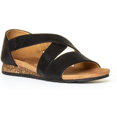 Heavenly Feet Estelle Womens Cross Sandal in Black