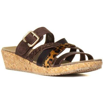 Heavenly Feet Mia Womens Brown Wedge Sandal