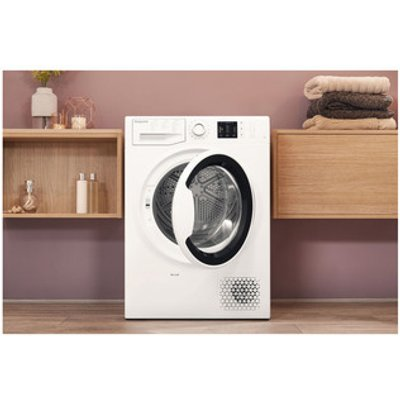 Hotpoint NTM1081WK 8kg Heat Pump Condenser Tumble Dryer in White A Rat