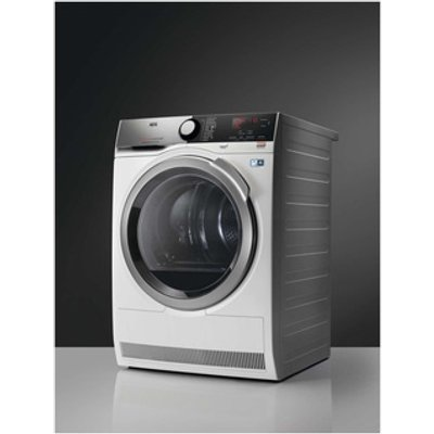 AEG T8DEE945R 8000 Series Heat Pump Tumble Dryer in White 8kg A