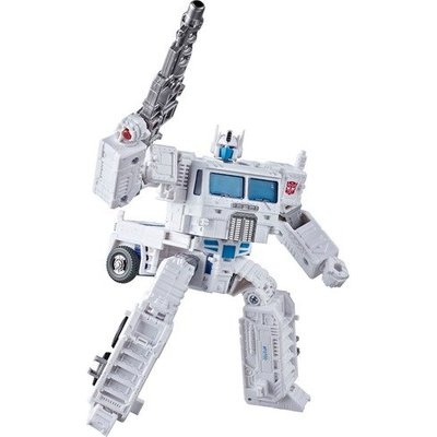 Transformers Generations: War for Cybertron - Ultra Magnus 19cm Figure