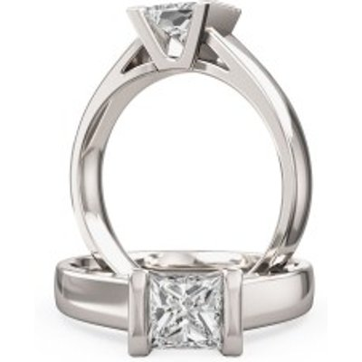 A beautiful Princess Cut solitaire diamond ring in platinum (In stock)