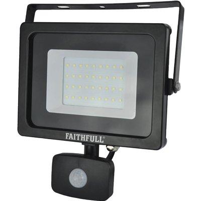 Faithfull Security Light With Pir 2400 Lumen 240v - 5023969315447