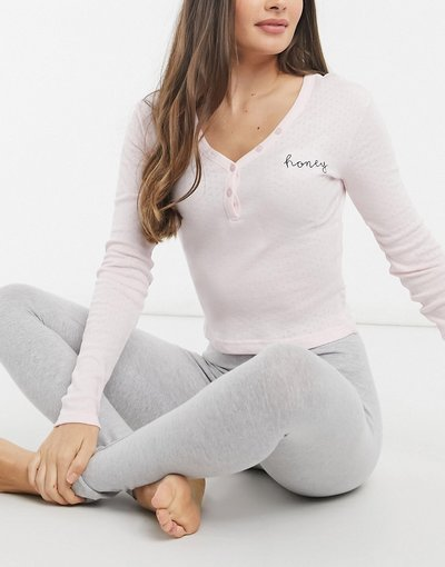 Pigiami Multicolore donna Pigiama con maglietta a maniche lunghe con bottoni e leggings a coste, colore rosa e grigio - ASOS DESIGN - Multicolore - Honey