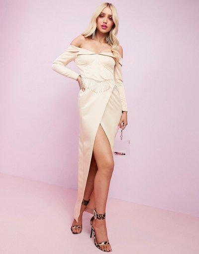 Crema donna Vestito lungo con spalle scoperte in raso con spacco e frange - ASOS DESIGN Luxe Premium s - Crema