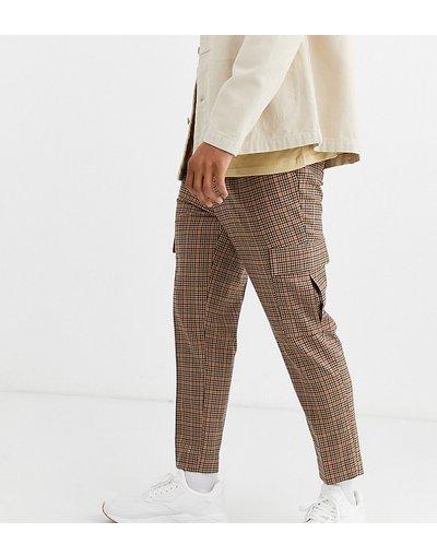 Marrone uomo Pantaloni eleganti affusolati cropped marroni a quadri con tasche cargo - ASOS DESIGN - Marrone