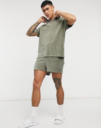 Pigiami Verde uomo Pigiama con camicia e pantaloncini in velour spesso a coste da casa - ASOS DESIGN - Verde