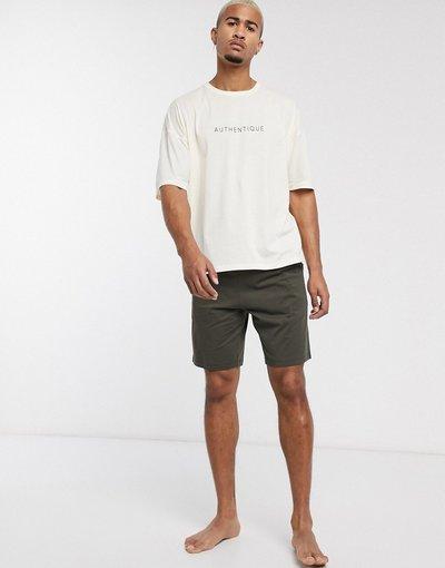 Pigiami Multicolore uomo shirt oversize e pantaloncini pietra con scrittaauthentique- Pigiama da casa con T - ASOS DESIGN - Multicolore