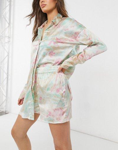 Pigiami Multicolore donna Pigiama premium con camicia taglio lungo e pantaloncini in raso con stampa marmorizzata multicolore - ASOS DESIGN