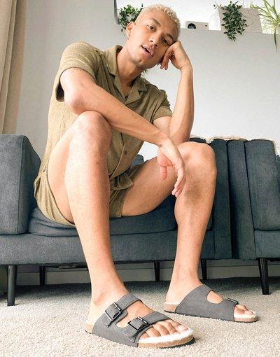 Sandali Grigio uomo Sandali grigi con fibbia e interno in pelliccia sintetica - ASOS DESIGN - Grigio