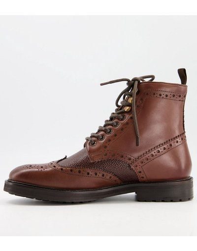Scarpa elegante Marrone uomo Stivaletti brogue in pelle marrone con interno in pile borg e suola marrone - ASOS DESIGN