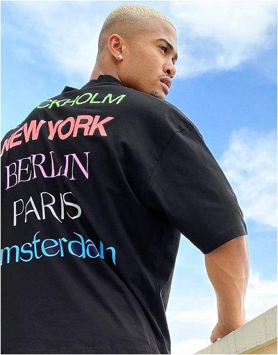 T-shirt Nero uomo shirt oversize nera con stampa di città sul retro e scollo a V sportivo - ASOS DESIGN - Nero - T