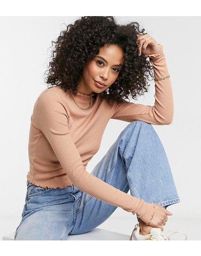 T-shirt Beige donna Crop top accollato sabbia con bordi ondulati - ASOS DESIGN Tall - Beige