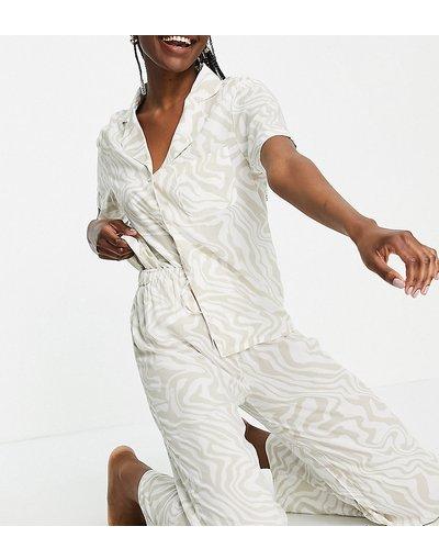 Pigiami Neutro donna Pigiama color tortora chiaro con stampa animalier tono su tono in modal composto da camicia a maniche corte e pantaloni - ASOS DESIGN Tall - Neutro