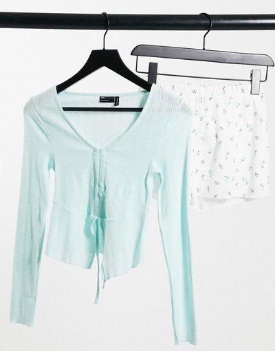 Pigiami Multicolore donna Top a maniche lunghe traforato blu e pantaloncini a fiori blu e bianchi - ASOS DESIGN - Multicolore