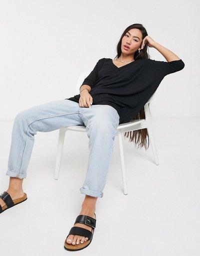 T-shirt Nero donna Top oversize drappeggiato a coste con scollo a V nero - ASOS DESIGN
