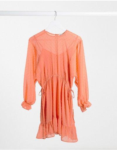 Arancione donna Vestito corto con maniche ad ali di pistrello e coulisse in vita corallo - ASOS DESIGN - Arancione