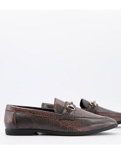 Scarpa elegante Marrone uomo Mocassini a pianta larga in pelle sintetica marrone effetto pitonato con morsetti - ASOS DESIGN Wide Fit