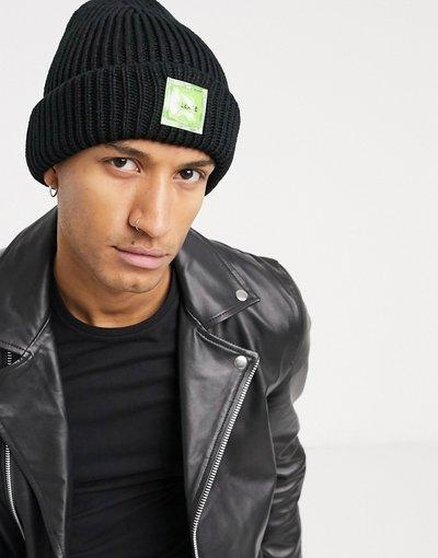 Cappello Nero uomo Berretto a maglia grossa con etichetta nero - Bershka
