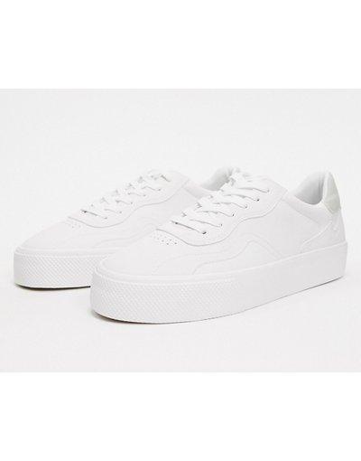Stivali Bianco uomo Sneakers bianche con pannello a contrasto nero e suola chuncky - Bershka - Bianco