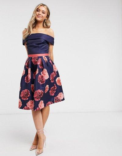 Navy donna 1 con scollo alla Bardot blu navy e a fiori - Chi Chi London - Vestito midi 2 - in