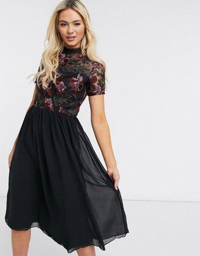 Nero donna Vestito midi accollato in pizzo nero - Chi Chi London