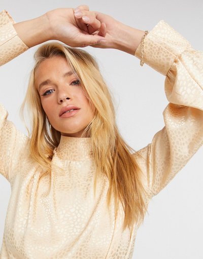Camicia Oro donna Blusa accollata a maniche lunghe oro tenue - Closet London