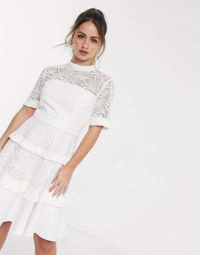 Bianco donna Vestito corto in pizzo a pieghe bianco - Forever New