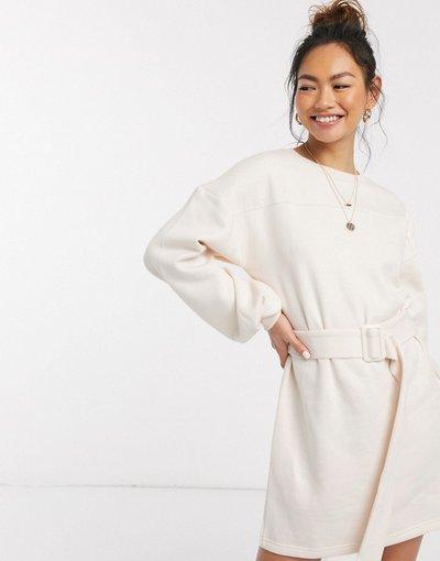 Crema donna Vestito corto felpato color crema con cintura e maniche a sbuffo - In The Style x Billie Faiers